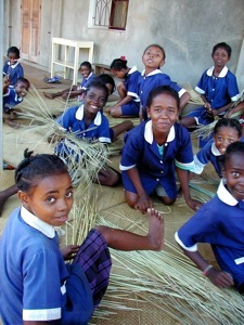 les écolières de l'école de Farafangana de Madagascar