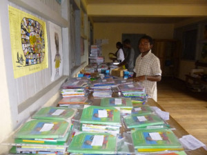 Distribution des fournitures scolaires